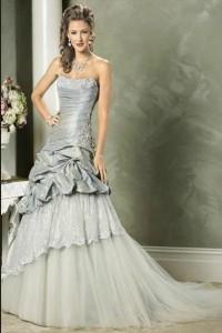 20 elegant prom dresses to inspire you
