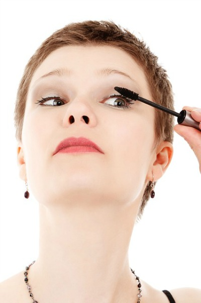 applying mascara - mascara tips