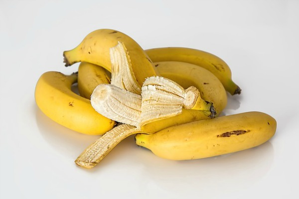 tips for healthy hair banana mask