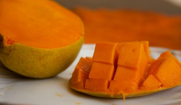Fruits for glowing skin mangoes